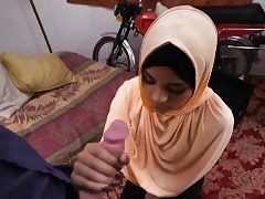 Teen arab hoe inhale a huge cock like a professional