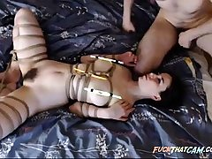 Oral pleasure in Bondage