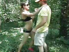 Successful Boy Faced Crazy Chick in Park and Poked Her Pussy