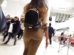 Candid voyeur large fat ass doll shopping mall leggings booty