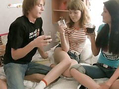 Threesome students party with two honeys
